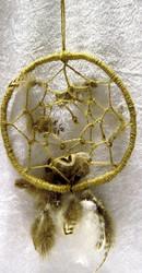 Unisieppari narua ja höyheniä, halkaisija n. 16cm