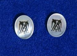 Nappikorvakorut KAKSOSET  GEMINI 925-hopea ja simpukka