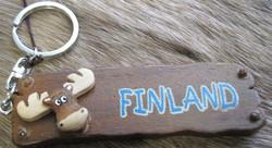 Avaimenperä hirvi,  Finland-teksti  puukyltti