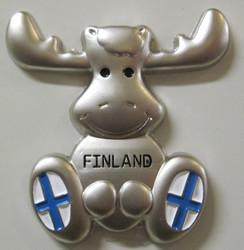 Magneetti Hirvi, Finland, Suomen liput jaloissa, metallia 4x4cm