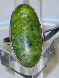 Hopeasormus serpentiini 17,8mm, ovaali kivi 15x30mm nro2