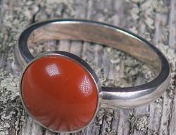 Hopeasormus punainen jaspis 16,8mm pyöreä 10mm