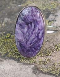 Hopeaormus tsharoiitti 21,2mm säädettävä, ovaali kivi 16x27mm nro14