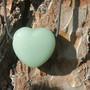 Kaulakoru aventuriinisydän vihreä 3x3cm porattu riipus