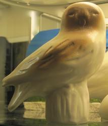 Pöllö, korkeus 15cm, keramiikkaa