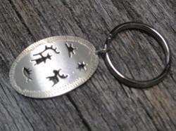 Hopea avaimenperä RUMPU ja rumppumerkit 20x30mm ja avainlenkki