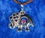 Hopeariipus: Elefantti safiirikoristein, 6 sinisafiiria ja pink safiiri