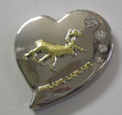 Magneetti: poro, 4 'timanttia' , kuin koru, sydämen mallinen n. 4x4,5cm