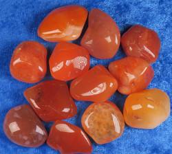 Karneoli rumpuhiottu oranssi akaatti 5-10g Intia