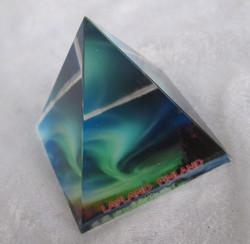 Lasipyramidi revontulet 47x47mm