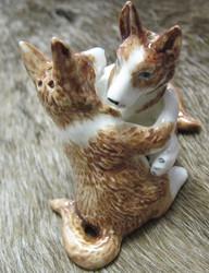 Sirotinpari: Koirat halaavat (suola- ja pippurisirotin)
