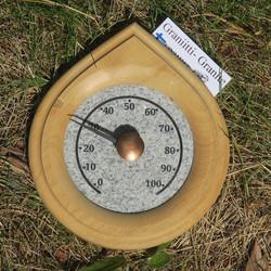 Saunalämpömittari graniitti korkeus 15,5cm, puukehys pisaran muotoinen