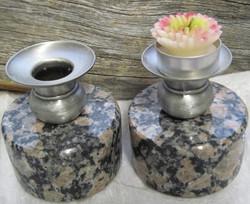 Kynttilänjalka graniittia halkaisija 8,5cm, korkeus 8,5cm