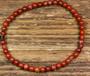 Rannekoru punainen jaspis 4mm joustavassa silikoninauhassa