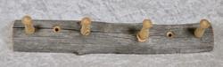 Naulakko: kelopuuta, pituus 29,5cm, 4 puutappia