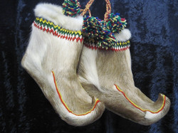 Poronkarvakengät eli  siepakat, miesten koko. Handmade in Finland