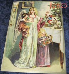 Joulukortti enkeli lasten kanssa joulukuusen luona. ken23