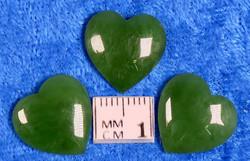 Kapussi nefriitti, vihreä, 15x15mm, sydän cabochon