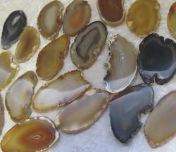 Akaattilevy natural luonnollinen väri n. 3-5cm lajitelma