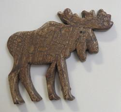 Magneetti Hirvi, puuta, käsintehty ja maalattu, koko 90x75mm