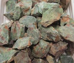 Kromikalsedoni raaka, vihreä keskim 15-20g