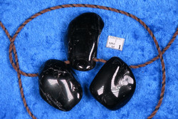 Riipus Turmaliini musta rumpuhiottu porattu