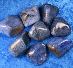 Dumortieriitti 10-20g rumpuhiottu. Mosambik