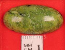 Kapussi serpentiini 15x30mm ovaali cabochon Norjasta