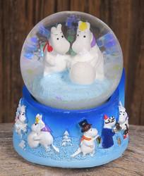 Magneetti Muumilaakson väkeä talvimaisemissa lumipallomagneetti