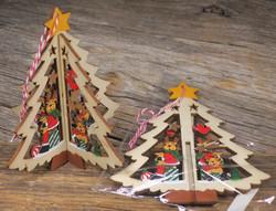 Joulukoriste: joulukuusessa porot ja tähti, puuta