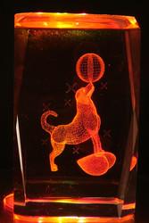 Kristallikuutio 6cm Koira ja pallo