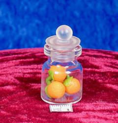 Nukkekodin: appelsiinipurkki