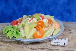 Nukkekodin ruoka pastasalaatti_kjh