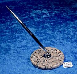 Kynäteline graniitti, hopean värinen kuulakärkikynä
