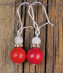 Korvakorut helmiäinen 8mm punainen ja vuorikide jää-ce zirkonirengas