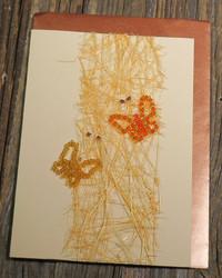 Postikortti ja kirjekuori: Perhoset (helmistä punottu perhonen hopealankaan) 2per