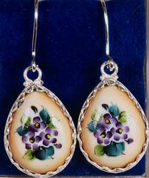 Korvakorut: emalikoru, lilat kukat, pisara, hopeoitu, 20mm (CL9)