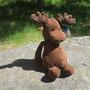 Pehmolelu hirvi 36cm, suklaanruskeaa vakosamettia. Retro