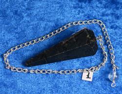Heiluri musta turmaliini n. 4cm viistehiottu