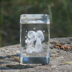 Kristallikuutio 6cm Hääparin suukko