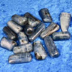 Kyaniitti sininen A-laatu rumpuhiottu 5-10g Intia