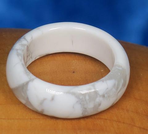 Kivisormus 6mm magnesiitti valkoinen koko19