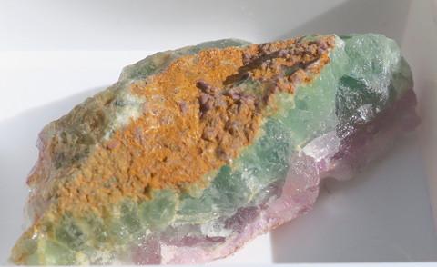 Fluoriitti raaka violetti, vihreä 32mm nro 8R2
