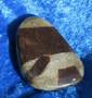 Stauroliitti ristikivi 24g 42x30mm hiottu taskukivi. Khibini Venäjä