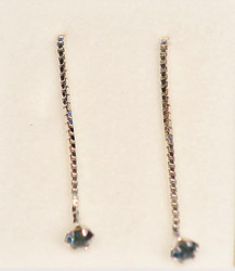 Ketjukorvakorut 925-hopea tummansininen 3mm synt.kivi, ketju 3cm tappi