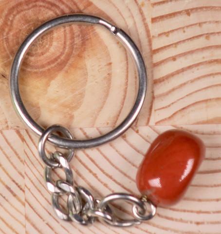 Avaimenperä punainen jaspis rumpuhiottu