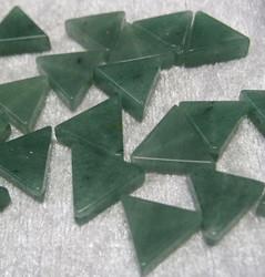 Aventuriini vihreä kolmio 14mm irtohelmi