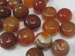 Karneoli 14x9-10mm litteä oranssi irtohelmi