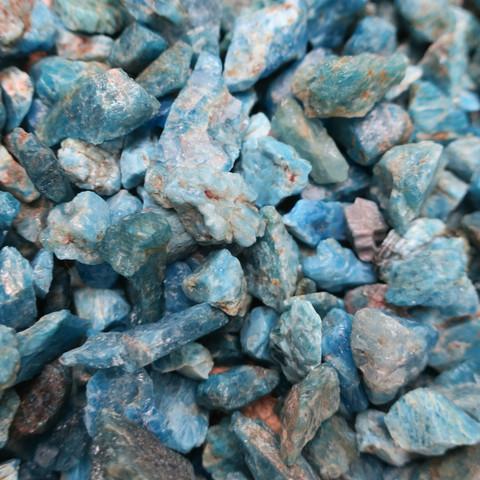 Apatiitti sininen raaka 5-10g Madagaskar