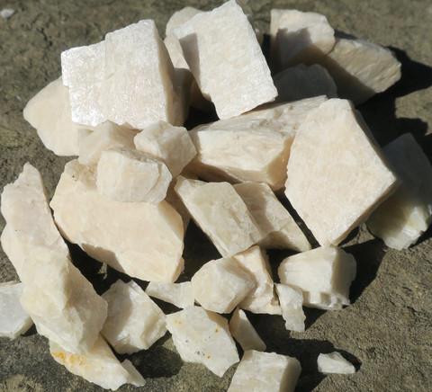 Kuukivi raaka valkoinen 40-50g Intia